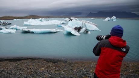 Urlauber aus Deutschland müssen sich bei der Einreise bach Island nicht mehr auf Corona testen lassen.