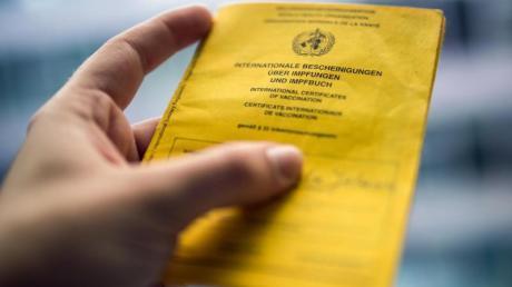 Nicht nur wegen Corona:Der internationale Impfausweis ist ein wichtiges Dokument.