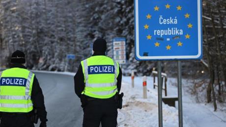 Die Polizei warnt: Bei der Einreiseanmeldung aus Hochrisikogebieten kann es zu Betrug kommen.
