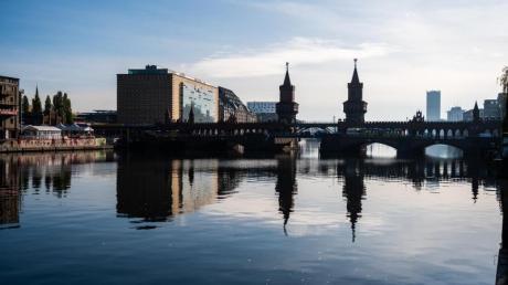 Die Oberbaumbrücke ist Schauplatz im 90er-Jahre-Film «Lola rennt».