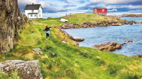 Häuser auf Stelzen und raue Natur: Die Gemeinde Change Islands in Neufundland liegt auf zwei Inseln.