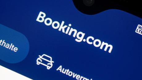 Buchungsportale wie Booking.com dürfen künftig ihren Partnerhotels nicht mehr verbieten, Zimmer auf der eigenen Internetseite billiger anzubieten.