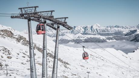 Schon in die Saison gestartet: derGletscherjet 2 in Kaprun in Österreich. Viele Skigebiete ziehen ihre Preise an.