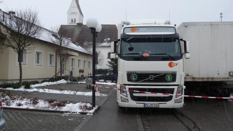 Mit rund 30 Mann und einem Übertragungswagen rückte gestern das ZDF in Oberottmarshausen an.
