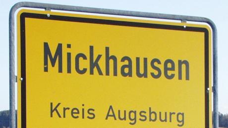 Bei der Kommunalwahl 2020 gab es in Mickhausen ein politisches Beben. Wie ist die Lage nun? Eine erste Bilanz.