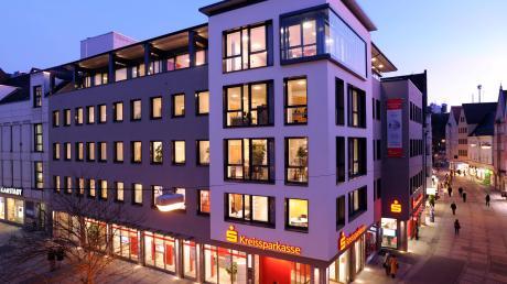 Aus der Kreissparkassen-Zentrale in Augsburg wird eine Hauptgeschäftsstelle.
