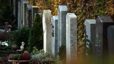 In Schongau und Peißenberg sind mehrere Gräber verunstaltet worden.