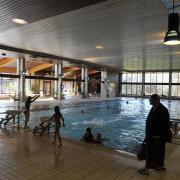 Das Bobinger Hallenbad steht auf der Liste der sanierungsbedürftigen Bäder.
