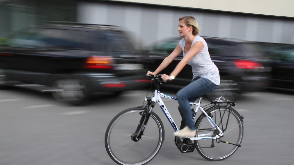 scherstetten scherstetten bietet e bikes zum mieten nachrichten schwabm nchen augsburger. Black Bedroom Furniture Sets. Home Design Ideas