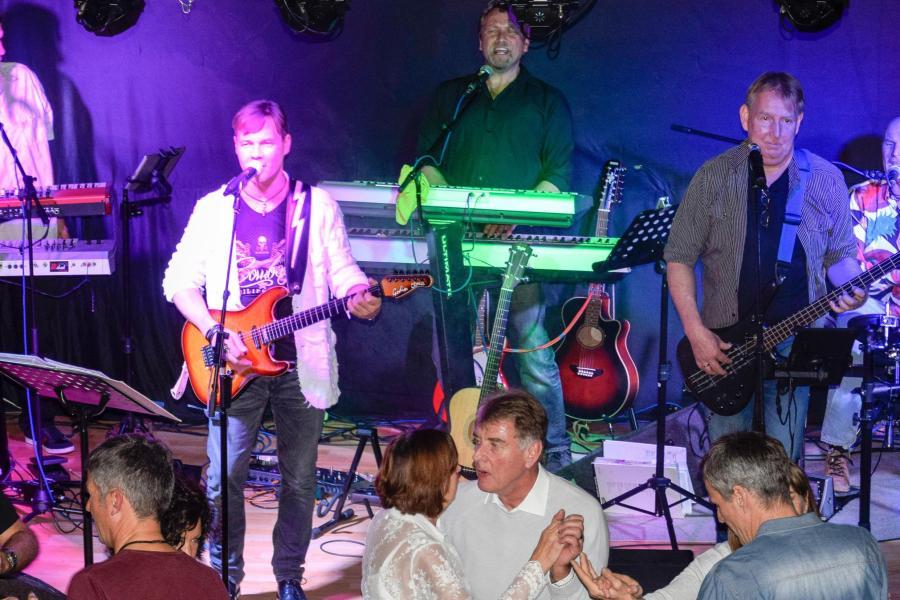 Hochzeitsmusik Mit Band Typ Quartett In Schwaben Auf Der Karte