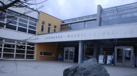 Das Leonhard-Wagner-Gymnasium Schwabmünchen bietet künftig einen dritten Ausbildungszweig an: den sozialwissenschaftlichen.