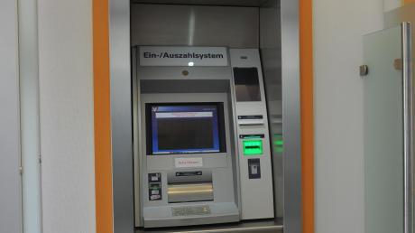 RB%20Aschberg%20Raiffeisenbank%20Holzheim%20Bank%c3%bcberfall%20heute005.jpg