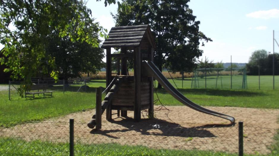 Klettergerüst Test : Mittelstetten spielplatz test kaum schatten in