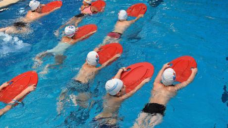 Wie können mehr Kinder Schwimmen lernen?
