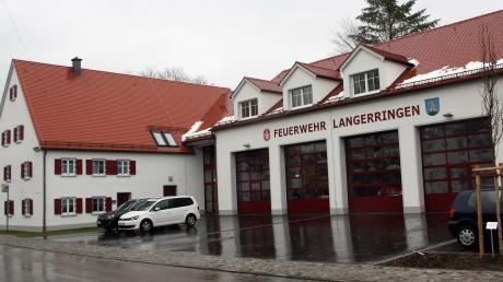 Das neue Feuerwehrhaus an der Hauptstraße wurde zu einem das Ortsbild prägenden Ensemble und erfüllt alle Anforderungen der Feuerwehr.