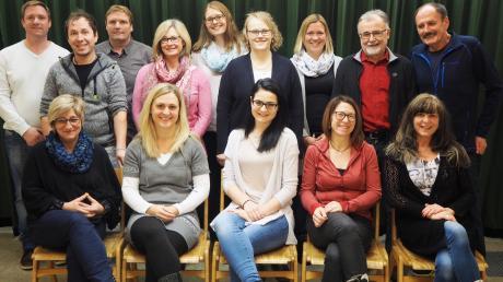 Probt schon fleißig für die Aufführungen: Das Ensemble der Theaterbühne Konradshofen.