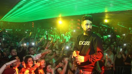 Dieses Bild entstand im Mai 2014: Rapper Bushido mit buschigem Vollbart bei seinem Auftritt in der Nachterlebniswelt PM – ein weiterer Auftritt in Untermeitingen kommt (vorerst) nicht hinzu.