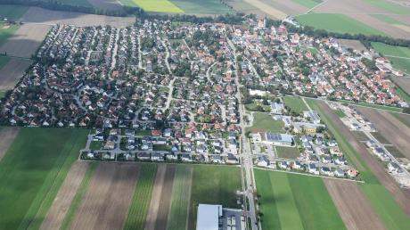 Die Gemeinde Graben, hier aus Richtung der Ortsteils Lagerlechfeld gesehen, geht ohne finanzielle Sorgen in das laufende Jahr.