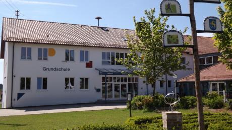 An der Schule in Walkertshofen wächst der Bedarf an Mittagsbetreuung. Auch für Kita- und Hortkinder werden nun Lösungen organisiert.