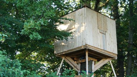 Da auf dem gemeindeeigenen Grund die Haftung nicht gewährleistet werden kann, muss dieses Baumhaus wieder abgebaut werden.