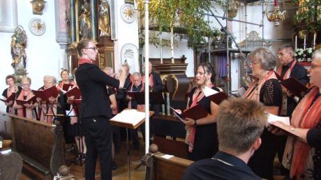Der Langenneufnacher Gesangsverein Liederhain absolvierte in der Kirche St. Martin ein Gospelkonzert.