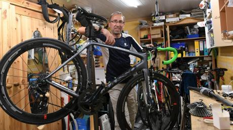 Der Keller von Wolfgang Raml. Hier baut der Klosterlechfelder die Fahrräder für seine Extremtouren zusammen.