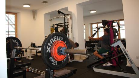 Der neue Trainingsraum in Klosterlechfeld bietet viel mehr Platz für die Gewichte und Fitnessgeräte.