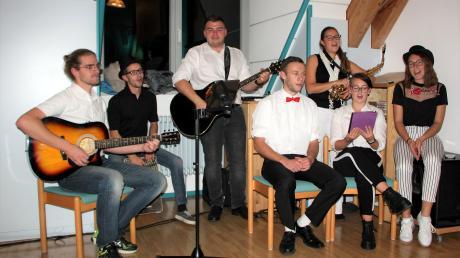 Die Band Shipmates zeigte ein eigenes Eröffnungsprogramm und unterhielt die Besucher in der Pause.