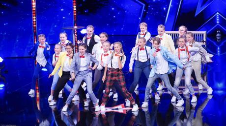 """Die """"Dance A.kt"""" - Tänzer aus Königsbrunn haben bei der Aufzeichnung in Bremen die Juroren überzeugt."""