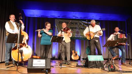Für beste Stimmung wie im irischen Pub sorgte die Irish Folk Band Mother´s Pride bei der 16. Kulturnacht und gleichzeitigem Comeback der Kulturschmiede.