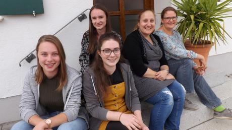 Die Leiterinnen der Stadelkids Lea Dempf, Sabrina Langhans, Lisa Böck organisieren gemeinsam mit den früheren Leiterinnen Steffi Vogg und Barbara Giggenbach (von links) den Jubiläumsgottesdienst am 19. Oktober.