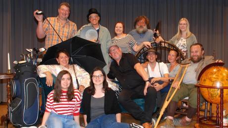 """Die Theaterfreunde Mittelneufnach sind ab dem 9. November im örtlichen Gemeindezentrum dem """"unheimlichen Mönch"""" auf den Fersen."""