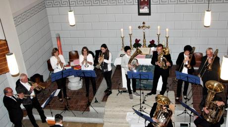Der Langerringer Posaunenchor erfüllte die kleine Johanneskirche mit seinen Klängen.