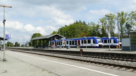 Beim Thema Bahnhofsmodernisierung geht derzeit in Bobingen trotz vieler Anfragen der Stadt nichts voran.