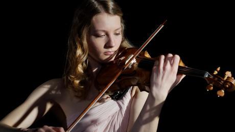 Nathalie Schmalhofer hat den erstmals vergebenen Musikförderpreis des Bezirks Schwaben erhalten.