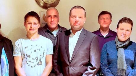 Das neue Vorstandteam der Freien Wähler Walkertshofen (von links):stellvertretender Vorsitzender Franz Schorer jun., Kassenprüfer Konrad Kellner, Vorsitzender Sven Janzen, Kassenprüfer Eugen Barz, Schatzmeister Karl Eichinger und Schriftführer Jonas Kellner (nicht im Bild).