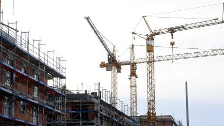 Bauwerber müssen in Merching und Steinach noch Geduld haben.