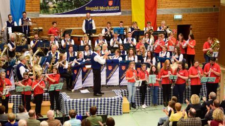Viel Beifall ernteten die Aktiven des Musikvereins Wehringen bei ihrem Herbstkonzert voller magischer Momente.