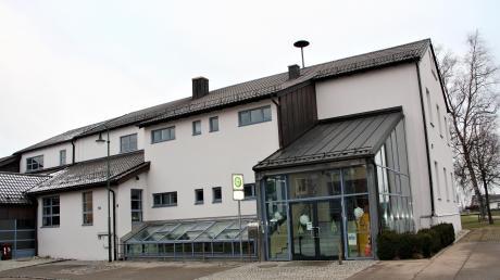 In der Grundschule und Mehrzweckhalle in Hiltenfingen wird eine elektronische Schließanlage eingebaut.