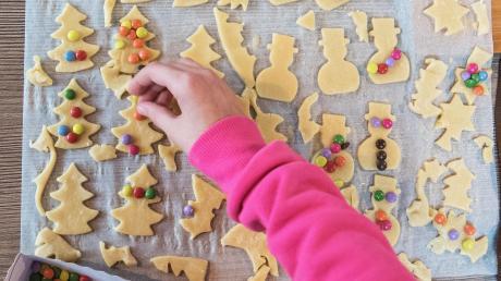 Butterplätzchen gehören zu den Klassikern unter den Weihnachtsplätzchen.
