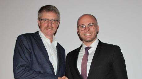 Dr. Fabian Mehring (rechts) gratulierte Herbert Graßl zur Wahl.