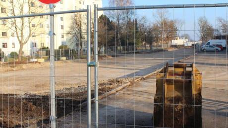 """""""Ich habe nachgefragt. Für mich ist der Bauzeitenplan schlüssig.""""Die Baustelle für die Straßenbahntrasse zieht sich durch die Stadt, es tut sich aber jetzt wenig."""