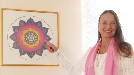 Yoga hat seit vielen Jahren einen großen Stellenwert im Leben von Heike Farkas. Sie ist stolz auf ihr Integral Yoga Zentrum in Bobingen.