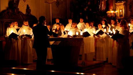 """Das """"Sankta Lucia Lichterkonzert"""" des Vocalensembles Landsberg findet am 22. Dezember in der Kirche St. Gallus in Langerringen statt."""