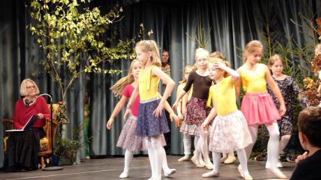 Das Bobinger Stadtjubiläum wurde groß gefeiert, auch von den Kleinen, wie hier beim Kindertheater.