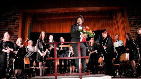 Dirigent Stephan Knöpfle brachte einen Strauß bunter Melodien unter die Leute.