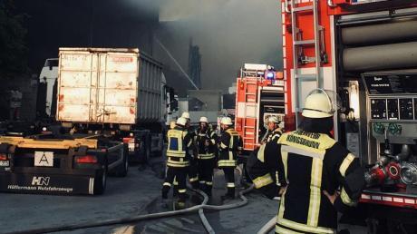 Bei der Firma Remondis brannte ein Lager mit Industriemüll ab.