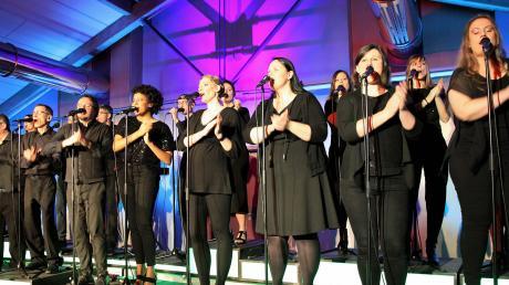 """What a feeling"""" – bei ihrem umjubelten Auftritt im Wehringer Bürgersaal präsentierte die Augsburger A-cappella-Formation Greg is back auch viele Hits aus den 80er-Jahren."""