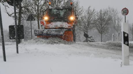 Vor einem Jahr gab es einen heftigen Wintereinbruch im Augsburger Land. Stellenweise fiel bis zu einem halben Meter Schnee.