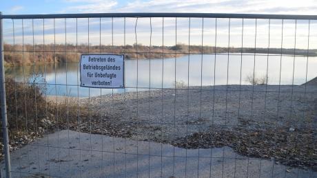 Das Wasser im Römersee südlich von Königsbrunn wurde untersucht. Insgesamt fanden sich in drei von sechs Seen die schädlichen Stoffe.